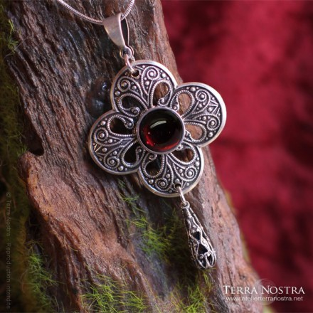 """Clover"" Medieval/gothic pendant"