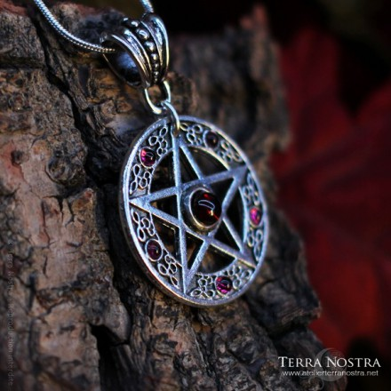 """Pendentif """"The Witch"""""""